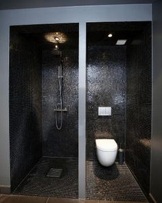 black dark shower and toilet devided by wall Exterior Design, Interior And Exterior, Black White Bathrooms, House Goals, Bathroom Inspiration, Bathroom Interior, Master Bathroom, Architecture, Decoration