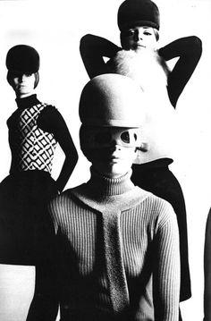 Photo by Peter Knapp, Paris Vogue, 1966