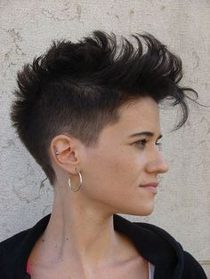 """The short Mohawk has been around since what feels like the dawn of times and still looks freshRead More """"Long Mohawk For Women"""" Mohawk Braid Styles, Curly Hair Styles, Natural Hair Styles, Mohawk Hairstyles For Women, Pretty Hairstyles, Woman Hairstyles, Hairstyle Ideas, Short Hair Dont Care, Short Hair Cuts"""