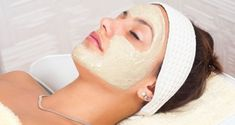 Fuller's earth or Multani Mitti is a gift of nature for your beauty and skin care. Let's have a look at uses and benefits of fuller's earth for skin and hair care. Best Homemade Face Mask, Homemade Face Pack, Diy Face Mask, Face Masks, Natural Skin Tightening, Skin Tightening Cream, Multani Mitti Face Pack, Massage, Home Remedies For Acne