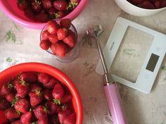 "Kakaós-rumos csoda avagy ""Kati szelet""   Dorothy's kitchen receptje - Cookpad receptek Strawberry, Fruit, Kitchen, Food, Cooking, Kitchens, Essen, Strawberry Fruit, Meals"