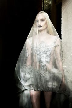 YIQING YIN SS 2012 BEHIND-THE-SCENES DURING HAUTE COUTURE FASHION WEEK