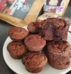 Karobos muffin 6db Muffin, Cookies, Chocolate, Breakfast, Desserts, Food, Crack Crackers, Morning Coffee, Tailgate Desserts