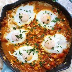 This curried shakshuka, a healthy one-pan dish with poached eggs in a flavorful tomato sauce, comes together quickly and can be served any time of the day! recipes healthy One-Pan Curried Shakshuka Shakshuka Recipes, Easy Healthy Recipes, Vegetarian Recipes, Easy Meals, Healthy Egg Recipes For Dinner, Recipes With Eggs, Quick Egg Recipes, Healthy Vegetarian Recipes, Starbucks Recipes