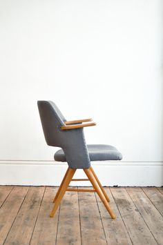 Care for your tush with a pastoe desk chair.