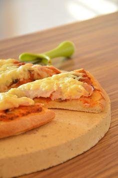 """Pizza dough recipe like """"Pizza Hut"""" Pizza Hut, Pizza Dough, Vegetarian Pizza, Veggie Pizza, Healthy Pizza, Pizza Casserole, Flatbread Pizza, Dough Recipe, Pizza Recipes"""