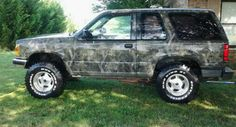 1991 Ford Explorer Camoflauge Paint..Painted it for my husband.He helped some.Lol