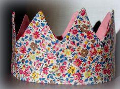 couronne de princesse fleurie en tissu type liberty : Mode filles par grainedecaillou
