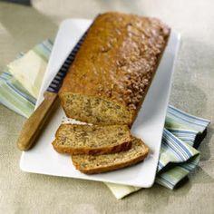 Banana Nut Bread with All Bran Low Calorie Banana Bread, Moist Banana Bread, Gluten Free Banana Bread, Banana Bread Recipes, Almond Recipes, Skinny Banana Bread, Low Calorie Muffins, Nut Bread Recipe, Low Calorie Breakfast