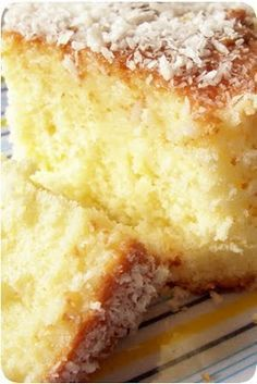 the world is a baking dish: coconut milk cake Portuguese Desserts, Portuguese Recipes, Food Cakes, Cupcake Cakes, Cupcakes, Cake Cookies, Sweet Recipes, Cake Recipes, Homemade Cakes