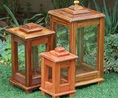 Make a wooden lantern for deck or patioI have been wanting to make a wooden lantern for the garden for ages, especially after seeing the exorbitant prices they ask for ready made wood lanterns. The de (Diy Candles Wood) Wooden Lanterns, Wooden Lamp, Candle Lanterns, Diy Candles, Easy Woodworking Projects, Popular Woodworking, Woodworking Plans, Woodworking Furniture, Woodworking Apron