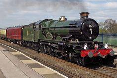 Earl Of Mount Edgcumb, Kings Sutton April 2010 Sutton England, Uk Rail, Steam Railway, Railroad Photography, British Rail, Old Trains, Great Western, Steam Engine, Steam Locomotive