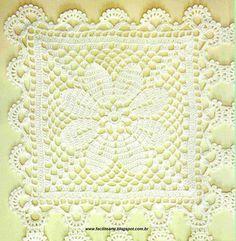 Caminho de mesa em módulos de crochê e bordado em vagonite, o efeito é fino e elegante. Use sua imaginação e teça como necessitar.       De...
