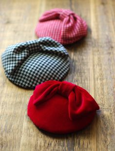 Some elegant fall headpieces. Wedding Headband, Fascinator Wedding, Fascinator Headband, Fascinator Hairstyles, Wedding Hats, Ladies Day, Black Velvet, Kentucky Derby Fascinator, 1950s