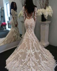 I want a long sleeve dress like this. But the back won't be this revealing.
