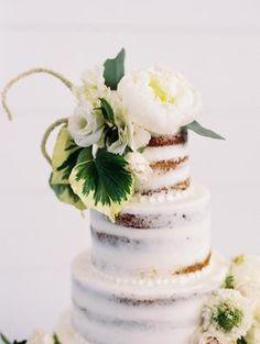The Grandeur House Wedding with a Modern Farmhouse Style Used Wedding Decor, Floral Cake, Modern Farmhouse Style, Wedding Desserts, Wedding Images, Wedding Inspiration, Wedding Ideas, Diy Wedding, Wedding Cake