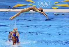 Excellent routines during the synchronized swimming finals