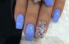 Diseños de uñas con Gelish pintadas, diseño de uñas con gelish y piedras. Clic Follow,  #uñas #nailsCLUB #uñasbonitas