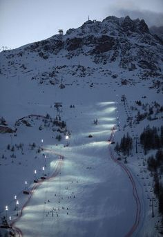 Face de Bellevarde Val d'Isère, France This was built as the men's downhill course for the 1992 Winter Olympics. No single section here is particularly steep - much of the difficulty lies in its length, and in icy conditions you need razor sharp edges and quick wits.