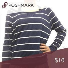 Womens long sleeve top from Hollister normal wear, light weight, and really comfortable Hollister Tops Tees - Long Sleeve