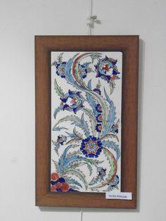 Desenini tasarladığım İlk çini panom Madhubani Painting, Turkish Art, Glazes For Pottery, Islamic Art, Wall Tiles, Vintage World Maps, Carpet, Wall Art, Floral