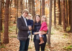 what to wear ideas.  family photo session. family-photographer-pittsburgh. Mary Beth Miller Photography