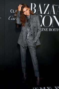 Zendaya looked like a badass business boss at the Harper's Bazaar ICONS party on Sept. Mode Zendaya, Zendaya Outfits, Zendaya Style, Tomboy Fashion, Suit Fashion, 80s Fashion, Fashion Outfits, Fashion Beauty, Zendaya Coleman
