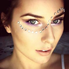 Music festival makeup looks – page 1000 – the chic daily Can Makeup, Makeup Looks, Daily Makeup, Beauty Makeup, Music Festival Makeup, My Beauty Routine, The Chic, Makeup Videos, Eye Make Up