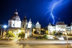 Rain on my wedding day Simply Beautiful, Beautiful Places, Fire Heart, Town Hall, Travel List, European Travel, New Trends, Romania, Traveling By Yourself