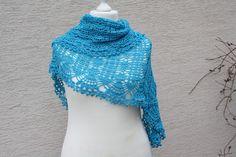 Dreieckstücher - Dreieckstuch gehäkelt türkis Tuch Lace Mode  - ein Designerstück von trixies-zauberhafte-Welten bei DaWanda