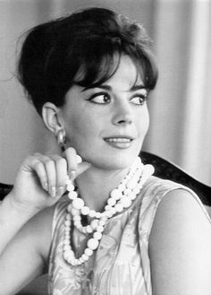 Natalie Wood-looks like my momma!
