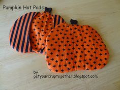 Get Your Crap Together: 31 Days of Halloween: Pumpkin Hot Pads 31 Days Of Halloween, Halloween Projects, Halloween Pumpkins, Halloween Diy, Blog Names, Easy Sewing Projects, Hot Pads, Activities For Kids, Sew Simple