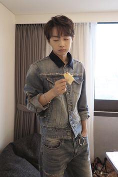 Jin Longguo (김용국)