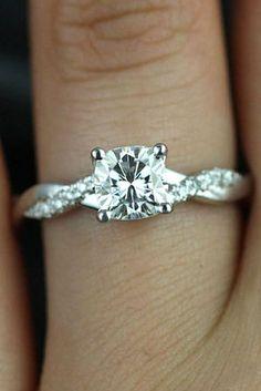 Classic elegant engagement ring idea #weddingideas #engagementrings #relationshipgoals #couplegoals