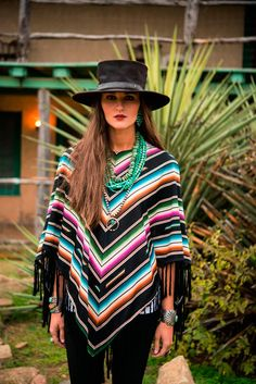 Poncho and turquoise. Cowgirl Chic, Western Chic, Cowgirl Style, Western Wear, Funky Fashion, Boho Fashion, Native Fashion, Texas Fashion, Cowgirl Fashion