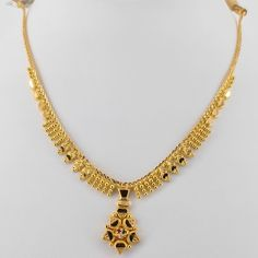 Leaf Jewelry, India Jewelry, Gold Jewelry, Jewellery, Brocade Blouse Designs, Gold Earrings, Gold Necklace, Saree Wearing, Jewelry Photography
