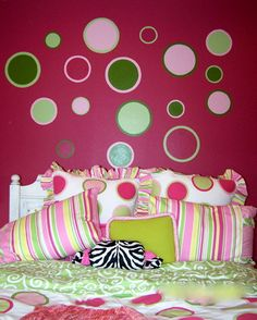 Tween girls room decorating ideas- good idea for color on a neutral wall.