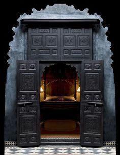 black Moroccan interior design bedroom