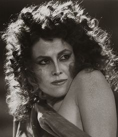 I watched Ghostbusters for this gal.  Who could be the urbanite cosmo beauty in Ghostbusters, but Sigourney Weaver? Circa 1983