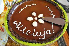 Tarta czekoladowa z czarna porzeczka