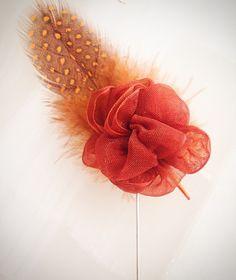 FlowerLapelPin by #DandyMakers $ 28 dollars Realizados artesanalmente 8x4cm available: www.facebook.com/dandymakers Twitter & Instagram @DandyMakers