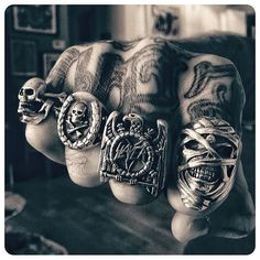 Mens Ring Designs, Fashion Hashtags, Skull Jewelry, Skull Rings, Men's Jewelry, Viking Jewelry, Biker Rings, Piercings, Punk Fashion