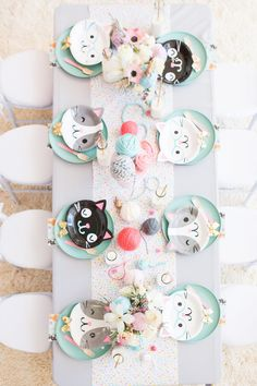 Cat Themed Birthday PAW-ty – Perfete Long table for kids birthday parties Cat Themed Parties, Puppy Birthday Parties, Puppy Party, Birthday Party Decorations, Girls Birthday Party Themes, Kids Party Themes, 8th Birthday, Home Birthday Party Ideas, Party Ideas For Kids