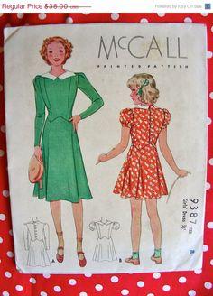 Sale:) UNCUT Vintage Original 1930's Girls' Pretty Dress McCall Pattern - Size 8  -  FF di anne8865 su Etsy https://www.etsy.com/it/listing/157367503/sale-uncut-vintage-original-1930s-girls