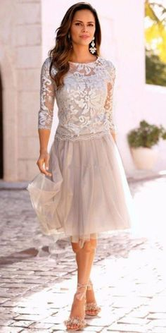 New Arrivals Knee Lenght Mother's Dresses Elegant Sheer Neck Long Sleeve Lace Tulle Mother Of The Bride Dresses Wedding Party Gowns 2017 Summer Mother Of The Bride Dresses, Mother Of Bride Outfits, Mother Of Groom Dresses, Mothers Dresses, Mother Bride, Mother Mother, Mother Of The Bride Gown, Mother Of The Bride Clothes, Tulle Dress