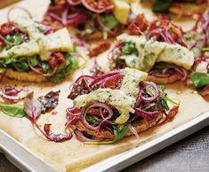 Pečená celerová kolečka | Recepty Albert Bruschetta, Vegetable Pizza, Cabbage, Vegetables, Cooking, Ethnic Recipes, Food, Kitchen, Vegetable Recipes