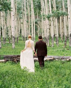 A Bohemian Wedding in Telluride, Colorado Outdoor Wedding Favors, Inexpensive Wedding Venues, Tent Wedding, Wedding Reception Decorations, Wedding Vows, Lace Wedding, Wedding Flowers, Cheap Wedding Invitations, Wedding Programs