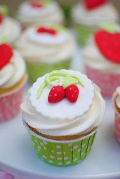 Beautiful strawberry cupcakes #strawberry #cupcakes