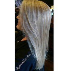 Blonde #instapic #instahair #lahair #southpasadenahair #southpasadena #missiontenelevensalon #loreal #missionteneleven #hair #haircut #haircolor #gabrieladelacruzhair #blonde #blondehair by gabrieladelacruzhair