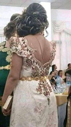 Dress Robes, Lace Dress, Arabic Dress, Oriental Dress, Haute Couture Paris, Moroccan Dress, Arab Fashion, Girl Photography Poses, Stunning Dresses